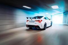 """Vorschaubild für Galerie """"Lexus RC-F Track Edition"""" vom 12.11.2019"""