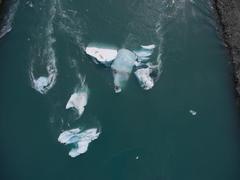 """Vorschaubild für Stock Bild """"img-20160727-133952-aerialstock-island-joekulsarlon-00005"""""""