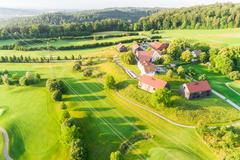 """Vorschaubild für Stock Bild """"img-20180607-201924-aerialstock-golfplatz-kyburg-winterthur-00009"""""""