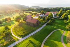 """Vorschaubild für Stock Bild """"img-20180607-202225-aerialstock-golfplatz-kyburg-winterthur-00018"""""""