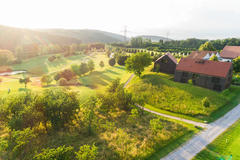 """Vorschaubild für Stock Bild """"img-20180607-201732-aerialstock-golfplatz-kyburg-winterthur-00002"""""""