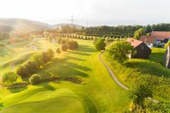 """Vorschaubild für Stock Bild """"img-20180607-201843-aerialstock-golfplatz-kyburg-winterthur-00008"""""""