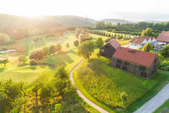 """Vorschaubild für Stock Bild """"img-20180607-202550-aerialstock-golfplatz-kyburg-winterthur-00023"""""""