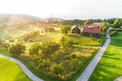 """Vorschaubild für Stock Bild """"img-20180607-201722-aerialstock-golfplatz-kyburg-winterthur-00001"""""""